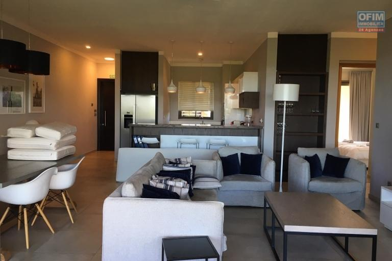 For rent in the long term, 2 apartments of 3 bedrooms in suites in a secure complex with small sea view in Balaclava.