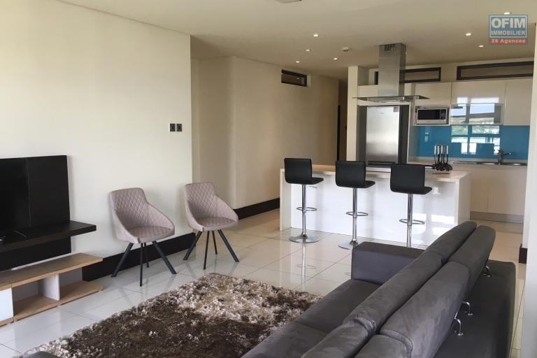 Nice flat T4 to rent in luxurious residence with swimming pool on Grand Bay.