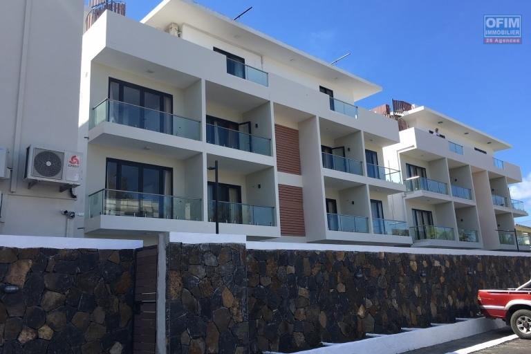 Rent 2 apartments T4 in a new residence with swimming pool in Pereybere.