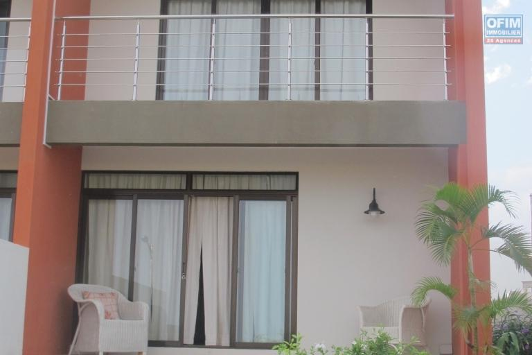 Flic en Flac for sale triplex 3 bedrooms with pool and open views on Flic en Flac,NEGOTIABLE