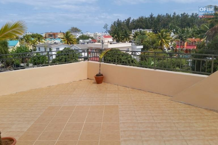 Long term rentals only. Flic en flac large apartment in an ideal location overlooking the hunted place of Wolmar and near the sea.