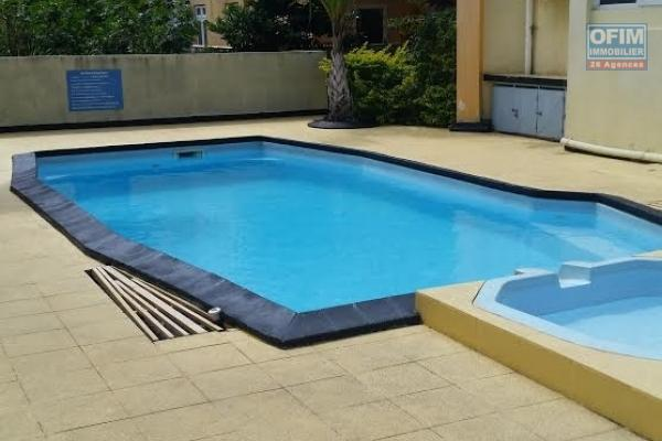 Flic en flac large 3 bedroom apartment close to the beach, shops with pool and parking