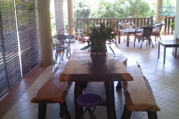 For sale beautiful villa of character F5 of 436 m2 with private pool and beautiful grassy garden in Calodyne.