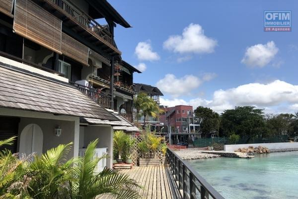 For rent apartment F4 furnished feet in water at Sunset Boulevard Grand Baie
