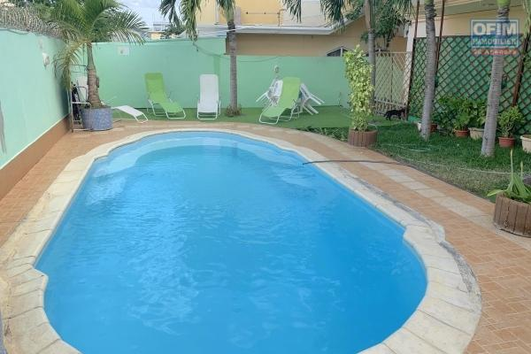 Flic en Flac apartment rental in a small residence with swimming pool close to amenities shops, bus stop, schools etc ...