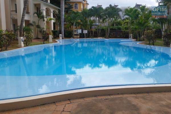 Flic en Flac  villa for rent of 4 bedrooms with pool in a quiet area near the beach and shops.