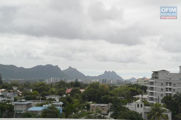 Flic en Flac, beautiful furnished 3 bedroom penthouse with full sea view and Morne, approximately 180m², accessible to foreigners, Rs13.5M
