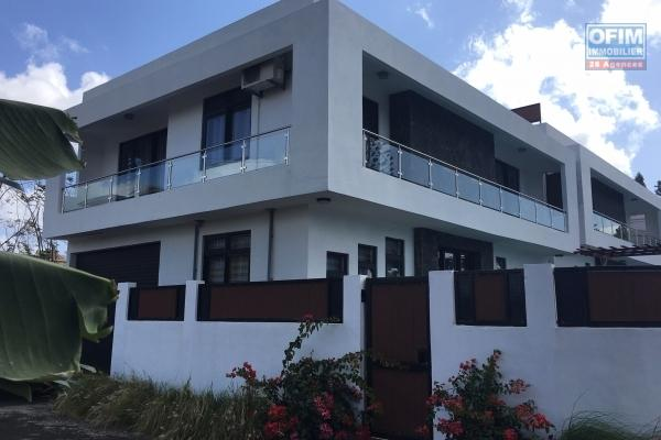 Rent new villa T3 / 4 with pool 300 meters from the beach in Trou aux Biches.