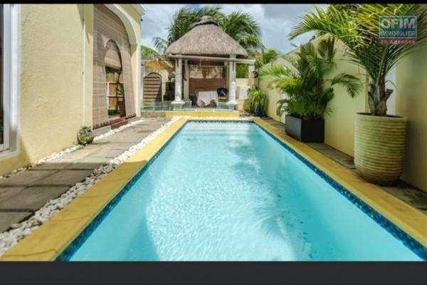 For sale new villa of 270 m2 with swimming pool and garden near the lagoon in Pointe aux Piments.