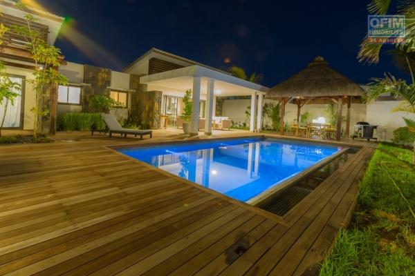 Accessible to foreigners and Mauritians: For sale a recent villa of 4 rooms in RES status eligible for foreigners and Mauritians with permanent residence permit for the whole family in Grand Baie Mauritius.