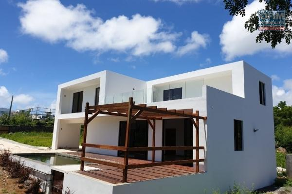 For sale new villa close to the sea and shops in Calodyne.
