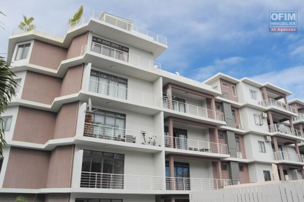 Flic en Flac 3 bedroom apartment for rent with swimming pool in recent and secure residence near the beach