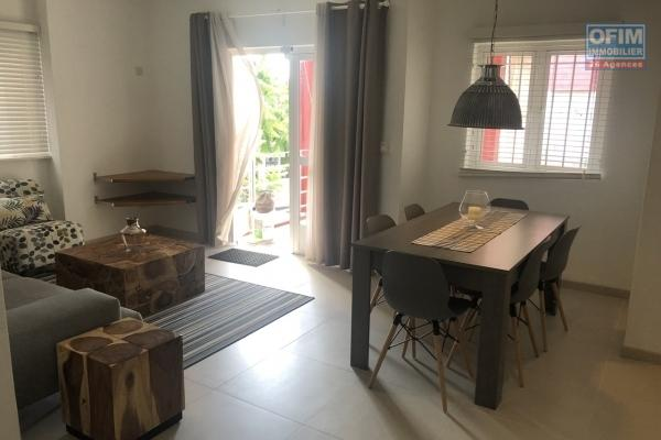 For rent apartment type F3 in a secure and maintained residence with shared swimming pool in Pereybère.