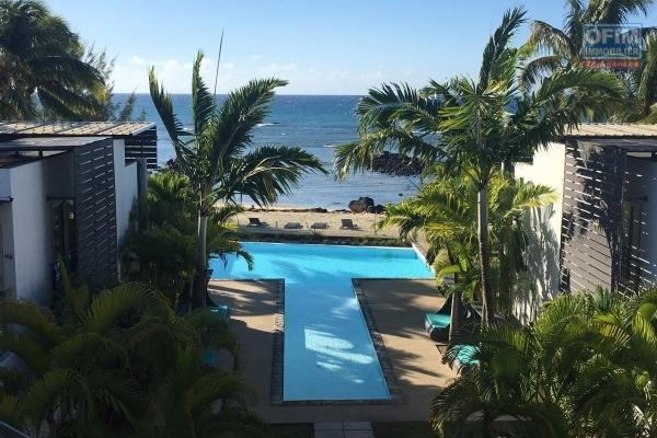 For rent T4 in a luxury residence at the water's edge in Trou aux Biches.