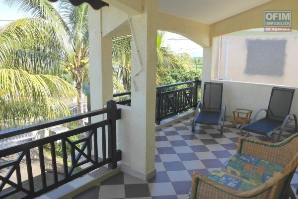 Rental top of a villa  in a quiet residential area 5 minutes by car from the beach and shops.