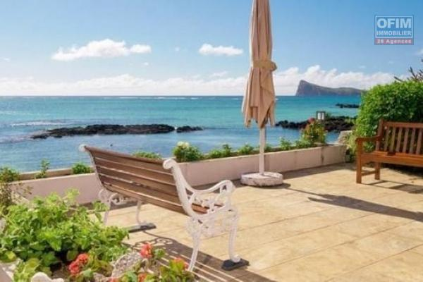 For sale, magnificent and exceptional waterfront property with a splendid ocean view in Bain Bœuf.