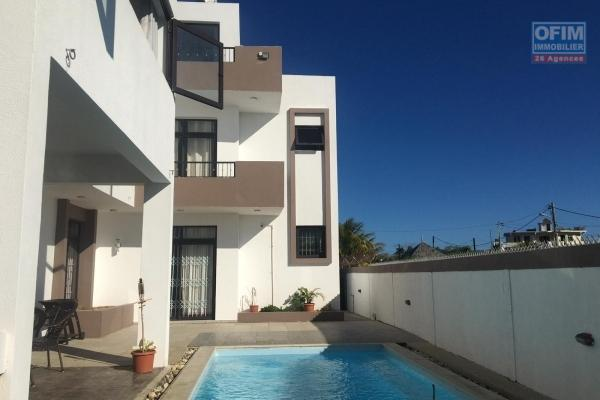 4 bedroom villa (plus playroom and office) with swimming pool at 20 foot path, Grand Baie.