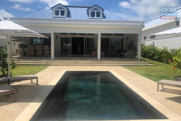 To sell a villa villas in RES status accessible for purchase to foreigners and Mauritians, with obtaining a permanent residence permit for the whole family