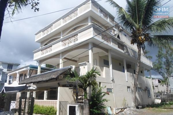 Flic en Flac, beautiful furnished 3 bedroom penthouse with full sea view and Morne, approximately 155m², accessible to foreigners, Rs13.5M