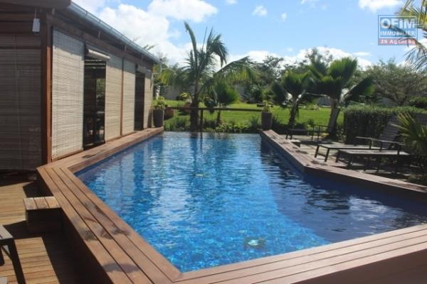 Luxury villa of 410m2 on plot of 4158m2 in Pamplemousses