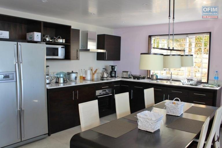 Le Rêve Absolu et un site exceptionnel donnant sur la baie de Trou d'Eau Douce pour cet appartement 3 chambres avec une magnifique vue sur l'océan