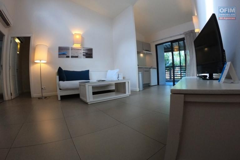 Accessible aux étrangers et aux mauriciens: A vendre très bel appartement de 78,50 m2 dans un complexe à 100 m de lagon à Trou aux Biches, île Maurice.