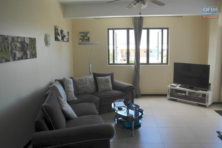 Flic en Flac à vendre  superbe appartement récent en plein cœur de Flic en Flac à 1minutes à pieds de la plage et des commerces.