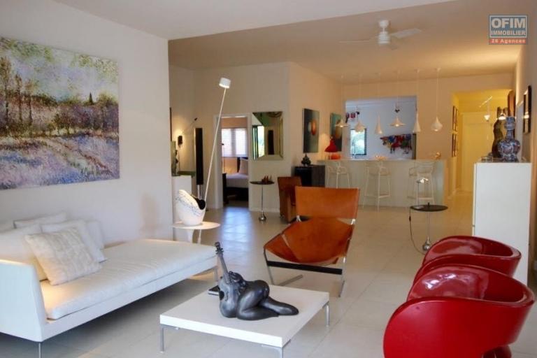 Rivière Noire vente villa de prestige IRS accessibles aux étrangers 3 chambres de 345M2 et sur 2207mé de terrain.