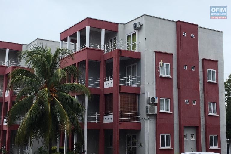 A louer ravissant appartement T3 tout équipé à 100 mètres de la plage et des commerces à Pereybère.