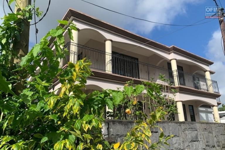 A vendre belle villa de 6 chambres au coeur d'Helvetia.