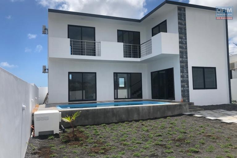 A vendre une villa neuve livrable immédiatement réservée à l'achat aux citoyens mauriciens à deux pas de la Croisette Grand Baie.