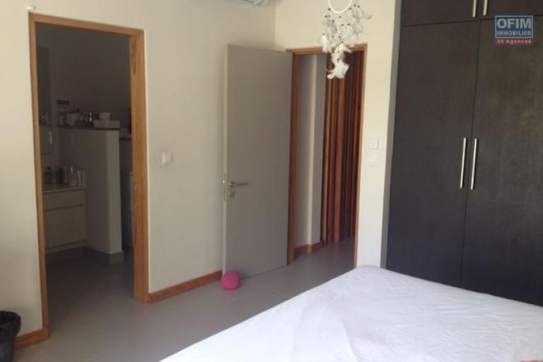 A vendre  un appartement  de 3 chambres en statut RES éligible aux étrangers
