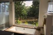 A vendre une très grande villa de plain-pied de 350 m2 avec une partie en sous-sol à Calodyne.
