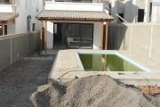 Flic en Flac à vendre villa neuve 3 chambres en suites avec piscine située dans un quartier paisible.