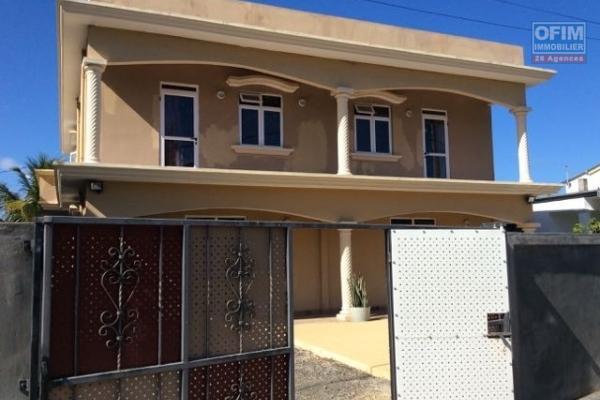 Ofim loue une villa F4 avec piscine dans une résidence sécurisée à Pointes Aux Piments
