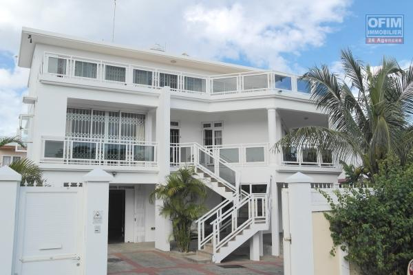 Pointe aux sables, belle maison d'architecte, avec vue mer