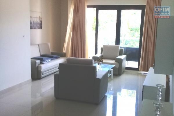 Accessible aux étrangers: A vendre beaux appartements neufs meublés proche de la plage à Pereybère.