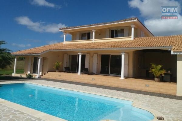 A vendre une villa récente contemporaine à Mont Mascal dédiée à la clientele Mauricienne.