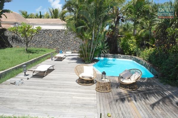 Rivière noire, La Plantation Marguery, location villa individuelle meublée et équipée de 4 chambres en suite, proximité des commerces et de la plage a pied.