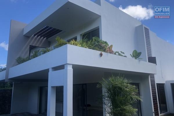 Accessible aux étrangers et aux mauriciens:  A vendre une villa sous statut PDS éligible à l'achat aux étrangers avec un permis de résidence permanent à l'île Maurice.