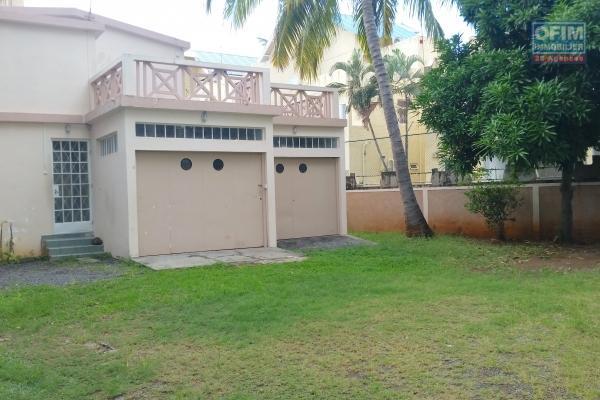 A louer 2 appartements de  type T3 dans une villa à la Pointe aux Canonniers.