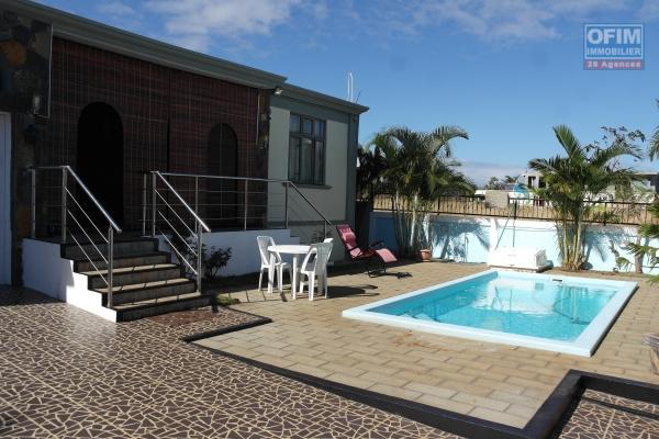 Flic en Flac location récente villa 4 chambres dans quartier résidentiel et calme