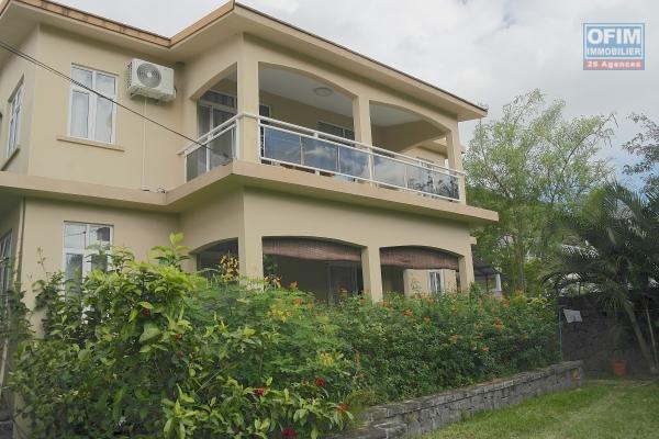 A vendre sympathique villa à deux pas du lagon et proche commodités à Mont Choisy.