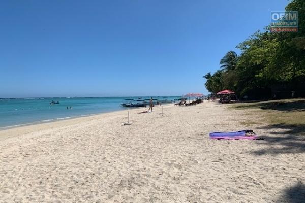 Accessible aux étrangers: A vendre projet de villas PDS à 100 mètres de la plage à Trou aux Biches Ile Maurice.