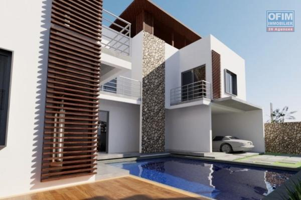 A vendre villa neuve de 270 m2 avec piscine et jardin proche du lagon à Pointe aux Piments.