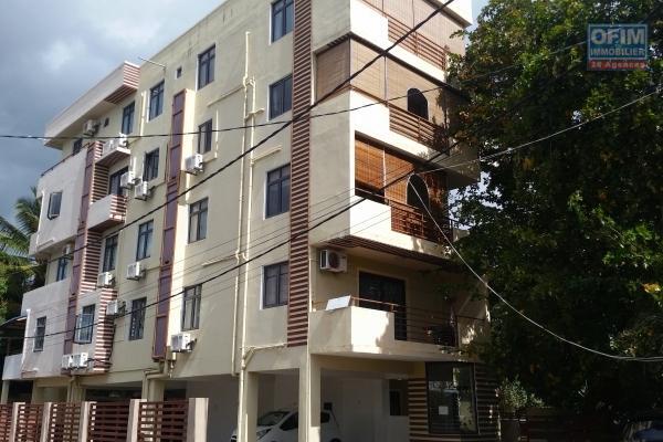 A vendre à Flic en Flac, appartement 2 chambres dans une résidence sécurisé avec gardien dans un cartier calme