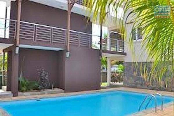Mignon petit appartement 2 chambres dans un immeuble rechercher avec piscine, ascenseur et gardien à vendre dans Flic en flac