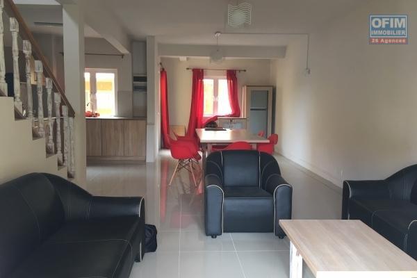 Location appartement de 2 chambres au Jardin du Cap, à 2 mn de la plage de Bain Boeuf.