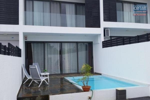 A louer une ravissante maison de 4 chambre sur 2 étages à Flic en flac dans un cartier agréable à vivre