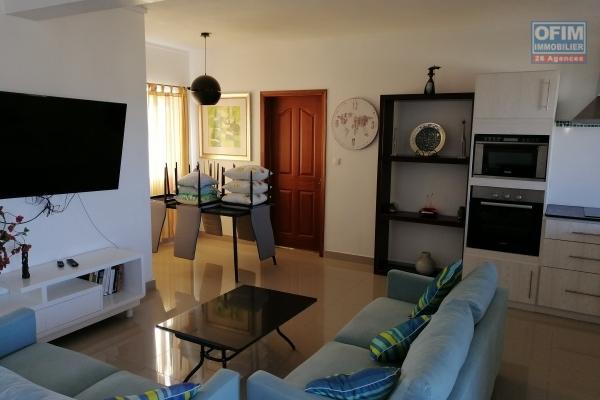 Accessible aux étrangers et aux mauriciens : A vendre très bel appartement moderne et neuf de 97 m2 à 300 mètres du lagon à Pereybère. Du supermarché winners, pharmacies, bus stop,